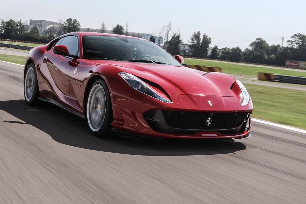 ferrari 812 superfast put to the test oracle finance. Black Bedroom Furniture Sets. Home Design Ideas