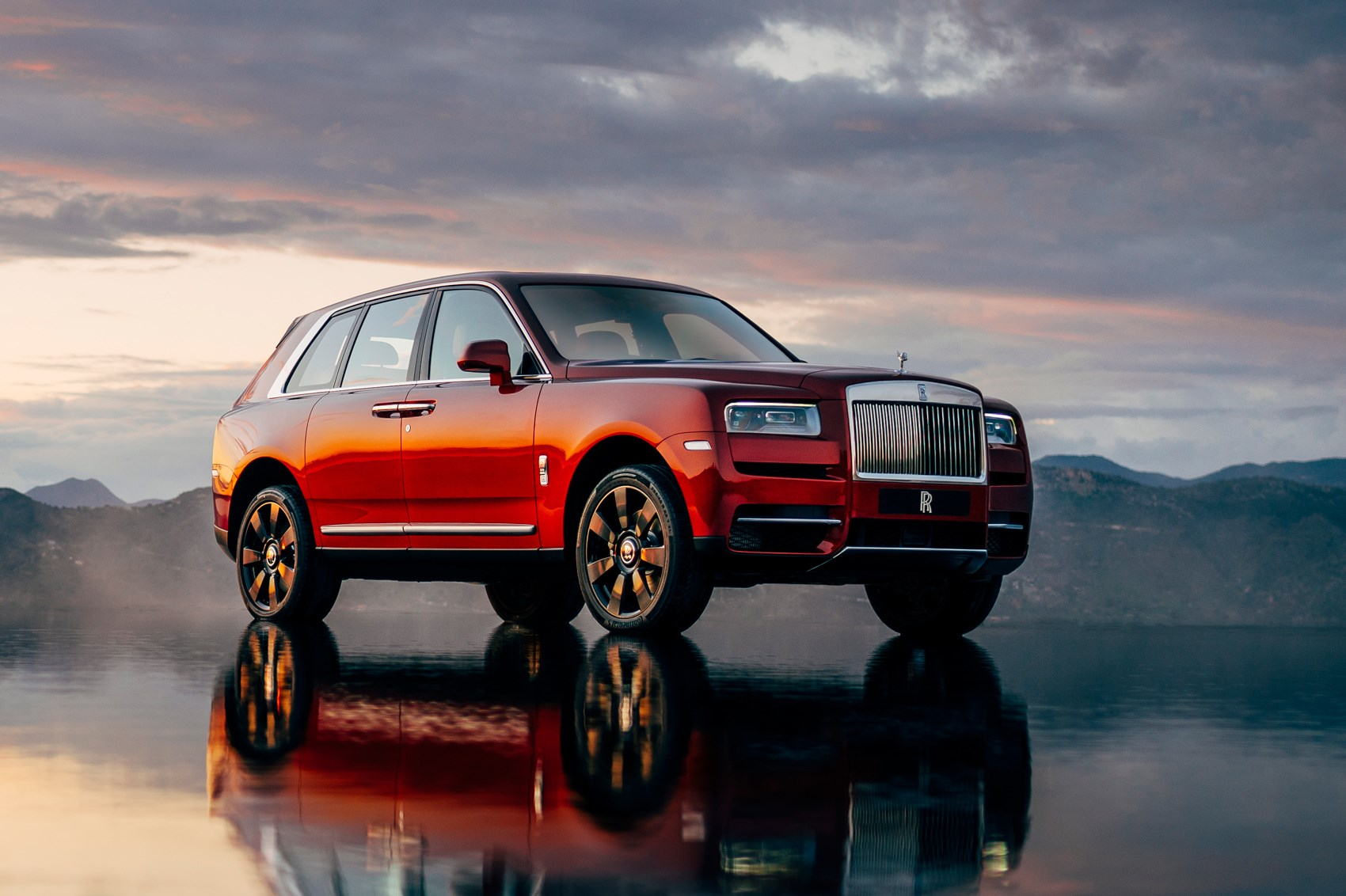rolls royce cullinan suv ready for launch oracle finance. Black Bedroom Furniture Sets. Home Design Ideas