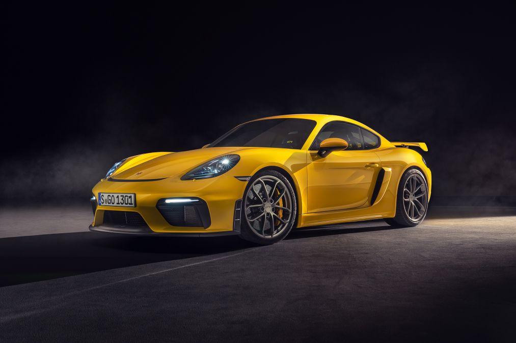 Porsche 718 Cayman GT4 and 718 Spyder revealed