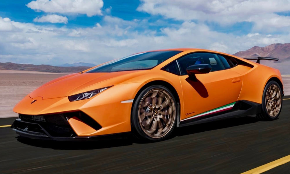 Supercar showdown: Ferrari 488 Pista VS Lamborghini Huracan Performante